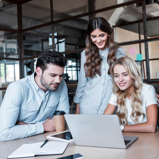 Group of education counselors radin on laptop the FAQ about UniAdmission